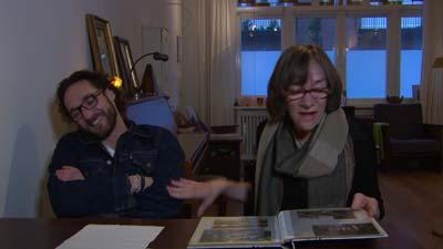 Javier Guzman en zijn moeder in Grimassen